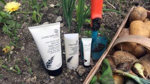 Pflege von Living Nature fuer Haende bei der Gartenarbeit